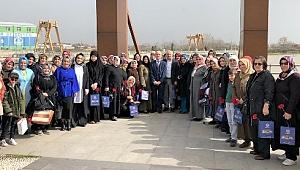 Başkan Öztürk 8 Mart Dünya Kadınlar Gününü Kutladı