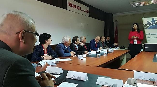 CHP İlçe Başkanları ve İl İcra Kurulu yöneticilerine eğitti