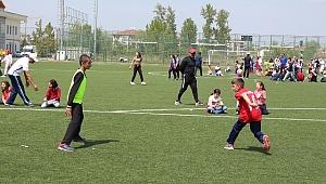 Geleneksel Çocuk Oyunları'nda Mehmet Zorlu İlkokulu birinci oldu