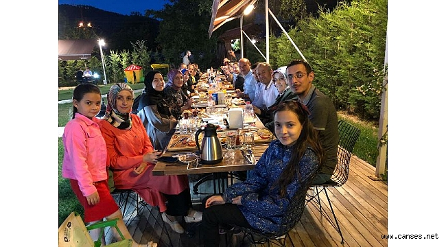 Başkan Özkaraman Meclis Üyelerine iftar yemeği verdi