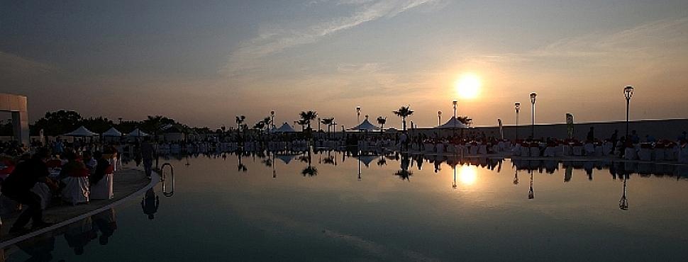 Büyükşehir Belediyesi tarafından inşa edilen Kocaali Sahili Sosyal Tesisleri'nin açılışı gerçekleştirildi
