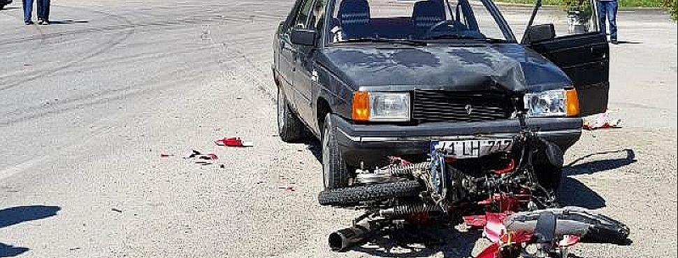 Otomobil ile Motosiklet Çarpıştı 1 Kişi Yaralandı
