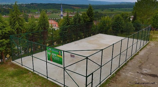 Adapazarı'nda 14 mahalleye 16 adet spor sahası