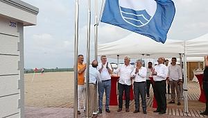 Karasu 32 Evler Plajı Mavi Bayrak'la buluştu