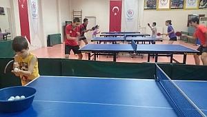 Sporun Merkezindeki Gençler