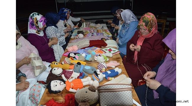 Kaynarca'da Kadınlar Ev Ekonomisine Katkı Sağlıyor