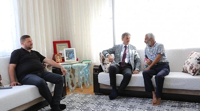 Hac'dan gelen Şehidimizin Ailesini Ziyaret Ettiler