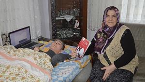 Tek Parmağı İle Kitap Yazan Engelli Kız Annesine Ev Almak İçin Kitaplarımı alın Dedi