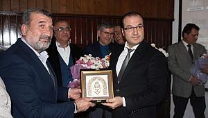 ANKARA'DA ŞAİRLERİN GECESİNDE ÖZTÜRK'E ÖDÜL