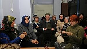 Camili Bilgievi kursiyerlerinden askerlere bere
