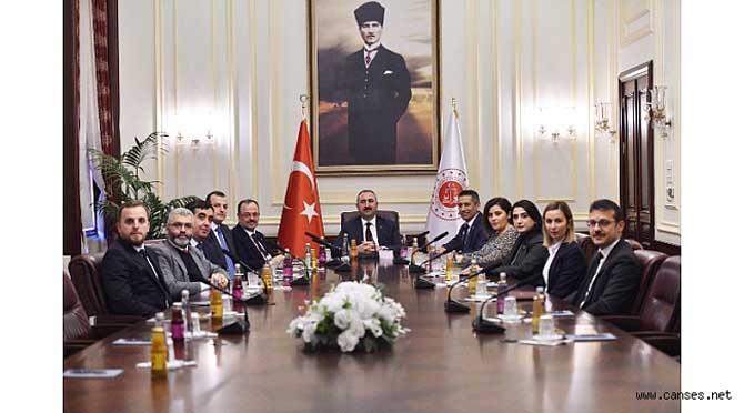 Sakarya Barosu'ndan Adalet Bakanı Gül'e Ziyaret