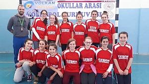 Karasu'da Voleybol ve Basketbol Heyecanı