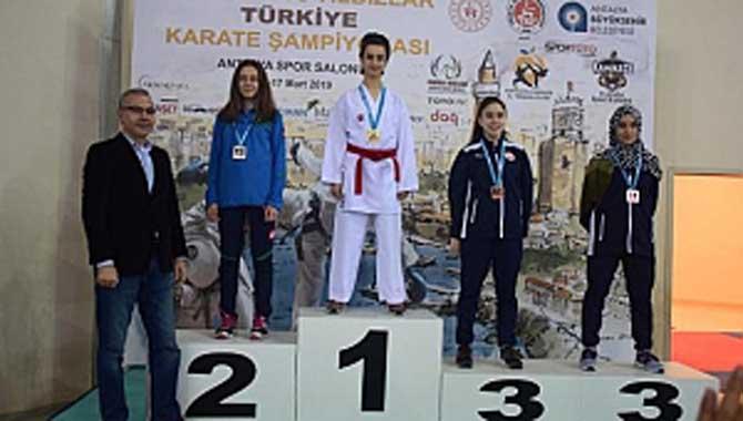 Akyazı'lı Karatecilerden 2 Madalya