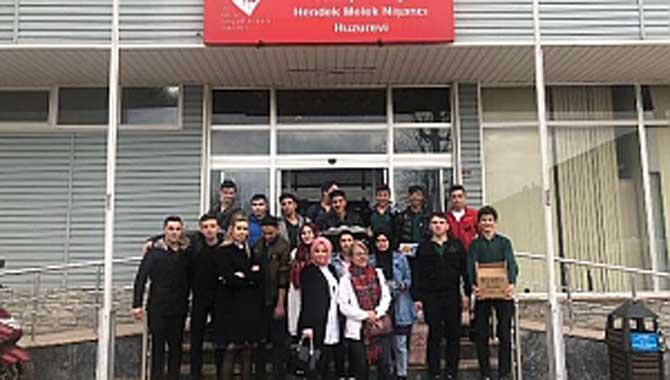 Fatih MTAL'den Huzurevine Ziyaret