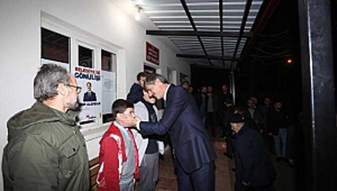 Gençler Saha İstedi Başkan Alemdar Başımın Üzerindesiniz Dedi
