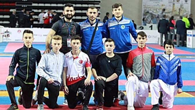 Hendek Belediyesi Karatecileri Antalya'da Tarih Yazdı