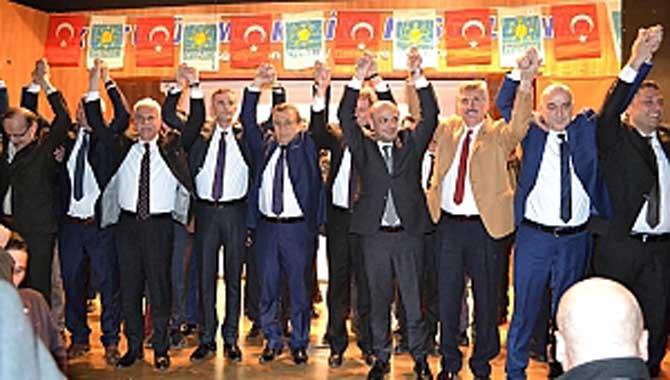 Meclis üyesi adayları ant içti