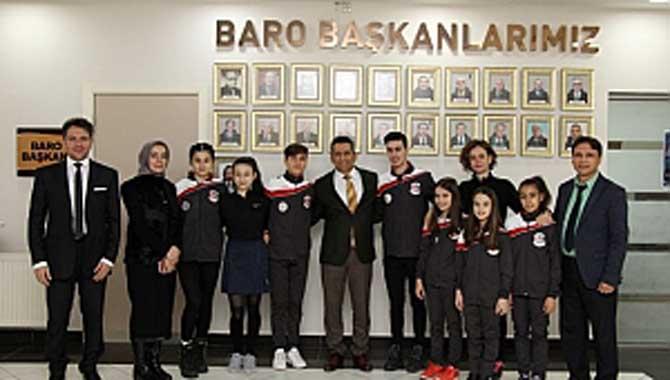 Şampiyon Cimnastikçiler Başkan Burak'ı ziyaret etti