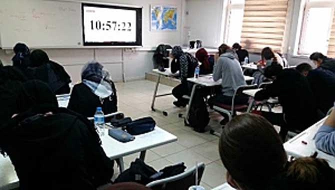 Serdivan'da 18 Öğrenciye 1 Derslik