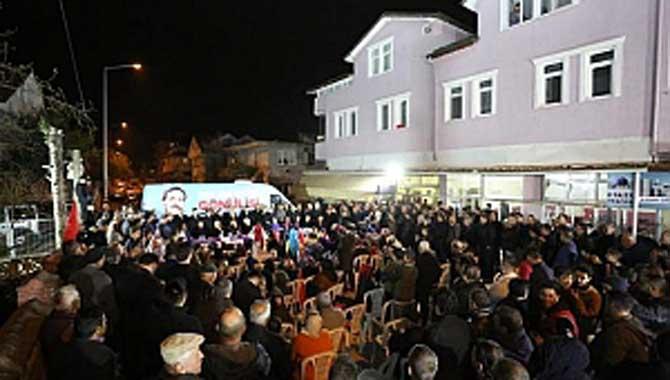 Serdivan'da Her Toplantı Miting Gibi
