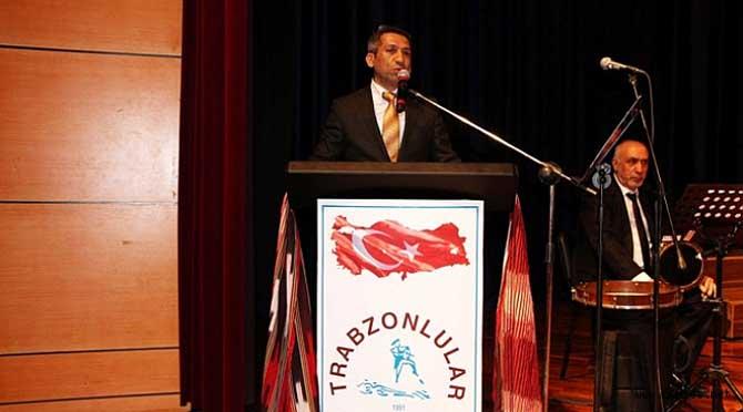 Başkan Burak Trabzonlular Derneği'nin Konserine Katıldı