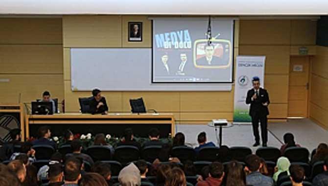 Bi' Dolu Medya Gösterisi