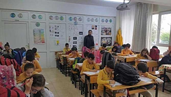 Öğrencilere Başarı İzleme Araştırması Sınavı Yapıldı