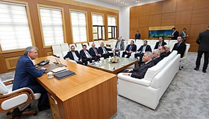 SATSO Yönetim Kurulu Büyükşehir Belediye Başkanı Yüce'ye 'Hayırlı Olsun' dedi