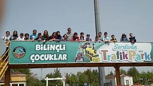 Serdivan Trafik Park'a Akçakocalı Öğrenciler Misafir Oldu