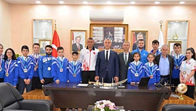 Türkiye Şampiyonlarından Başkan Babaoğlu'na Ziyaret