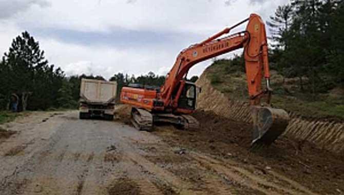 Büyükşehir Belediyesi Taraklı'ya Bağlı Mahalle Yollarında Çalışma Yapıyor