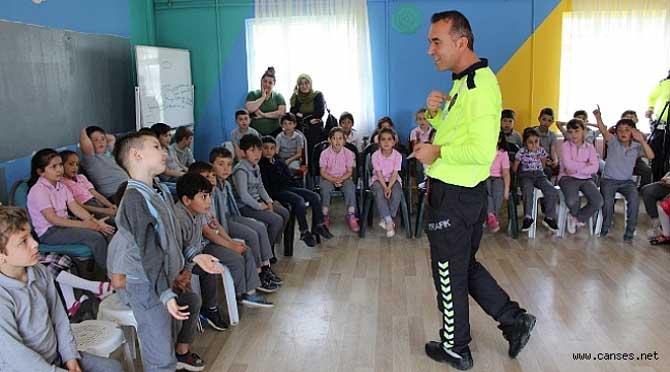 Çocukların Murat Ağabeyi Ferizli'de Öğrencilerle Buluştu