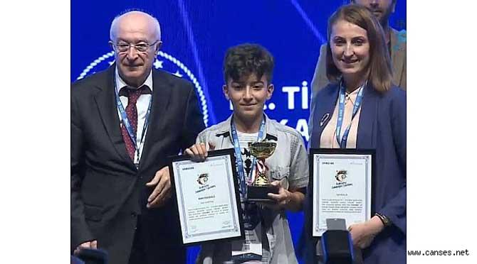 Geleceğin Mucitleri Yarışmasında Sakaryalı Öğrencimizin Büyük Başarısı