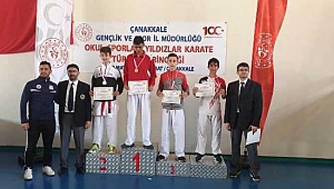 Karateciler Madalyaya Doymuyor
