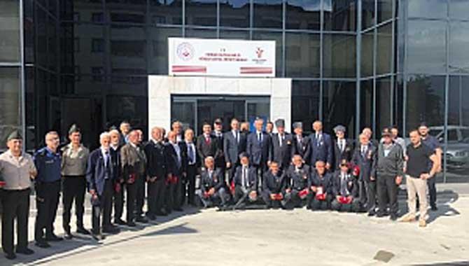 Kıbrıs Gazilerine Madalya Verildi