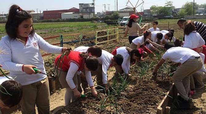 Küçük Çiftçilerden Anlamlı Yardım