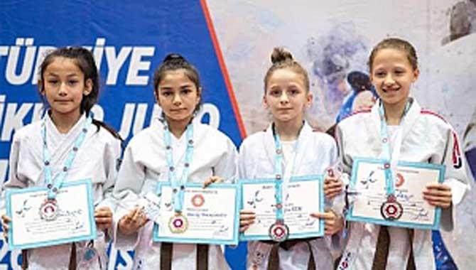 Sakarya'lı Judoculardan 9 Madalya