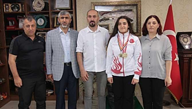 Arif Özsoy , Avrupa Şampiyonunu Ağırladı