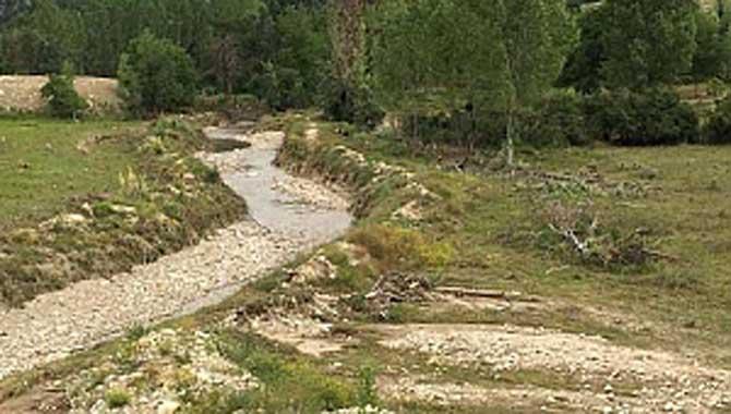 Çay Suyu Deresi Devlet Su İşleri (DSİ) tarafından ıslah edilecek.