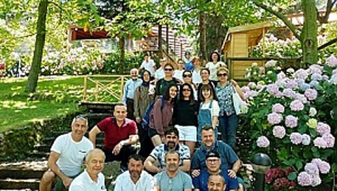 AÜ Veteriner Fakültesi 1989 Mezunları 30 Yıl Sonra Arifiye' de Buluştular