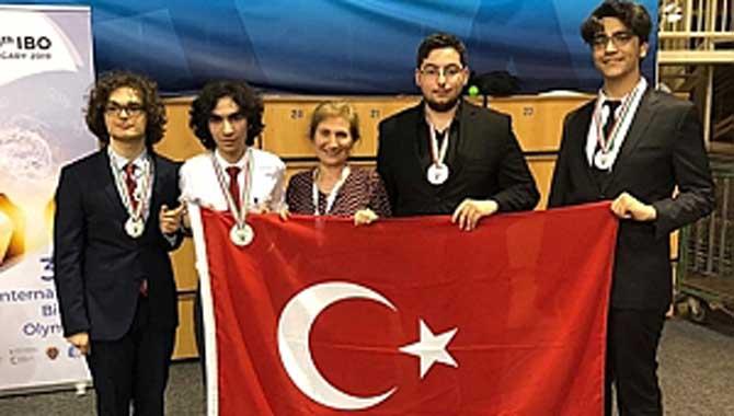 Cevat Ayhan Fen Lisesi Öğrencisi Hasan Zeki Yıldız, Dünya Biyoloji Olimpiyatın da Gümüş Madalya Kazandı