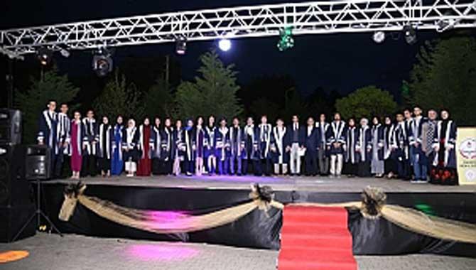 Fen Lisesinde YKS Sevinci 88 Öğrenci İlk Yirmibinde