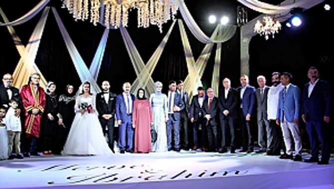 Yılın düğününde Sakarya oradaydı
