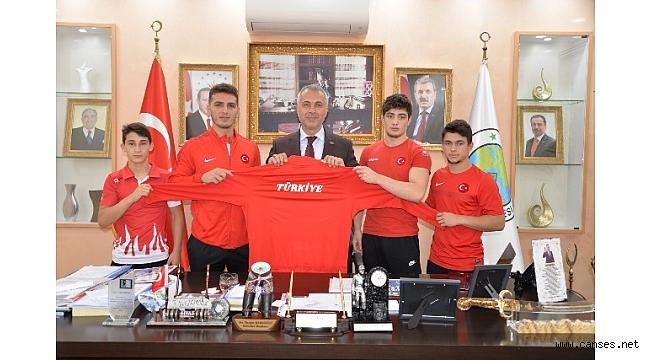 Şampiyonlardan Babaoğlu' na ziyaret
