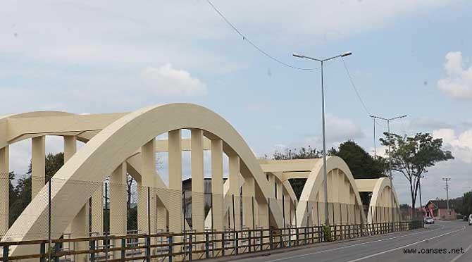 Tarihi Sakarya Köprüsü' nde bakım çalışması devam ediyor