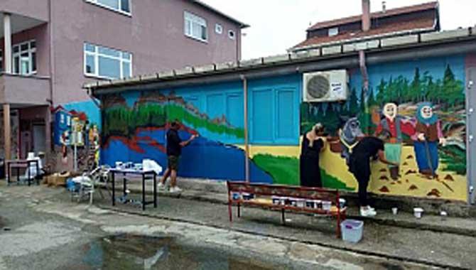 Atatürk İlkokulu Öğrencilerini Kucaklamaya Hazır