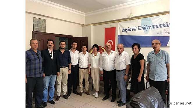 Fatma Kurtuluş, Demokrat Partiyi ziyaret etti.