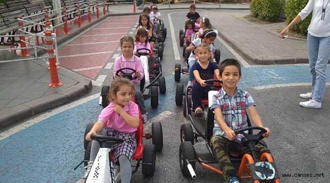 Geleceğin Bilinçli Sürücüleri Serdivan Trafik Park'ta