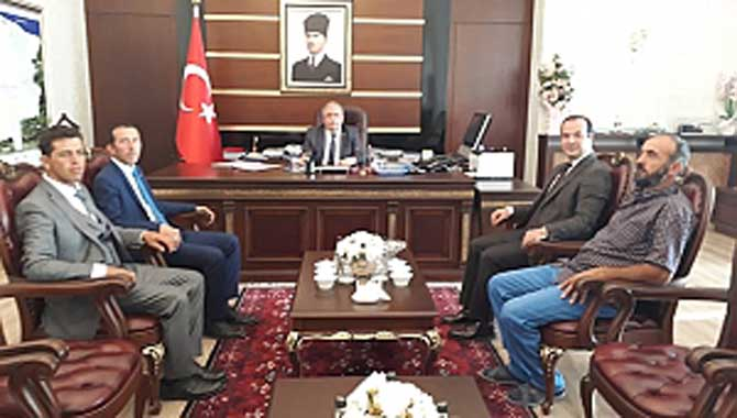 Hacı Yakup Mahallesi Kültür ve Yardımlaşma Derneği Vali'yi Ziyaret Etti