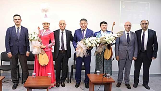 KAZAK HALKININ ÜÇ ULU ÇINARI SUBÜ'DE ANILDI